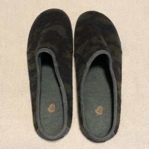 Acorn Crossroads Camo Mule Slip on Shoe Slipper